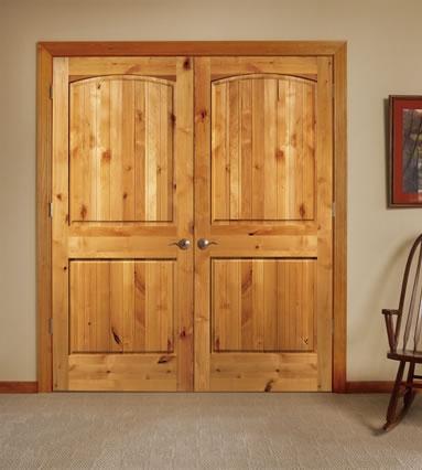 Входные двери из массива дерева: дуба, сосны